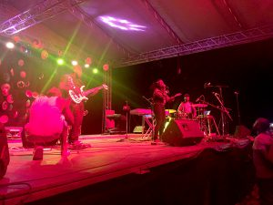 Mein persönlicher Favorit des Abends - die Sängerin und Saxofonistin Mo Rots mit Band Qwela https://soundcloud.com/moroots